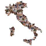 Grupo multicultural del mapa de Italia de buceadores de la integración de la gente joven fotografía de archivo libre de regalías