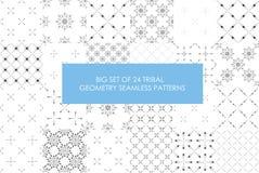 Grupo rentável final de 24 testes padrões sem emenda do minimalismo tribal ilustração stock