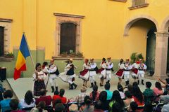 Grupo romeno da dança no festival cultural Fotografia de Stock Royalty Free