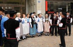 Grupo suizo del folclore que canta en el día nacional en ciudad rica del ¼ de ZÃ fotos de archivo libres de regalías