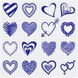 Grupo tirado mão de ícones do coração em um papel quadriculado ilustração stock