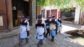 Grupo tradicional de Naxi en Lijiang fotografía de archivo