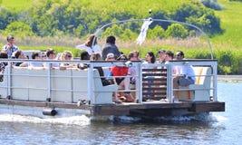 Grupo turístico en el delta de Danubio Foto de archivo