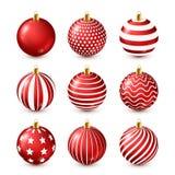 Grupo vermelho brilhante das bolas da árvore de Natal Decoração do ano novo Estação do inverno Feriados de dezembro Cumprimentand ilustração royalty free