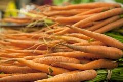 Grupos de cenouras alaranjadas fotos de stock royalty free