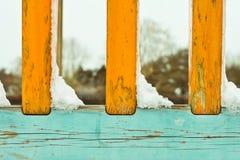 Nieve en las verjas Imagenes de archivo
