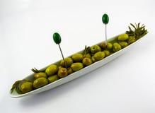 Grupowe oliwki na talerzu Zdjęcia Royalty Free