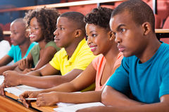 Grupowi afrykańscy studenci uniwersytetu zdjęcia stock