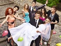 Grupowi ludzie przy poślubiać plenerowy. Obrazy Stock