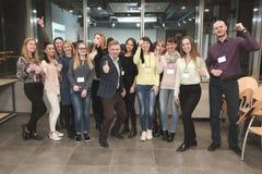 Grupowy portret uczestnicy konferencja zdjęcia royalty free