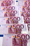 Grupp av 500 (vertikala) eurosedlar, Royaltyfria Bilder