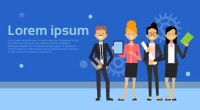 Grupp av affärsmannen And Businesswoman Cartoon som för affärsfolk står över bakgrund med kopieringsutrymme stock illustrationer