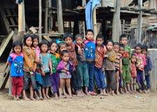 Grupp av Akha etniska ungar Arkivfoton