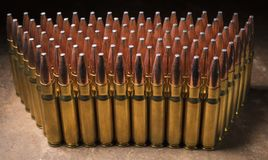 Grupp av ammo för en AR-10 i 338 Fotografering för Bildbyråer