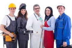 Grupp av arbetare bakgrund isolerad white arkivfoto