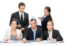 Grupp av att debattera för affärsfolk arkivbilder