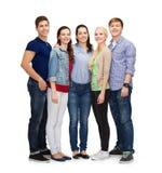 Grupp av att le att stå för studenter Arkivfoton