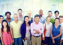 Grupp av begreppet för kontor för affärsfolk det tillfälliga Royaltyfri Bild