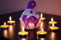 Grupp av bränningstearinljus på Royaltyfri Foto