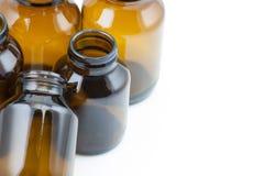 Grupp av brun glass medicin Arkivfoto