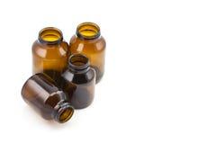 Grupp av bruna glass medicinflaskor Royaltyfri Fotografi