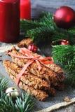 Grupp av choklad Biscotti med pistascher och tranbär Fotografering för Bildbyråer
