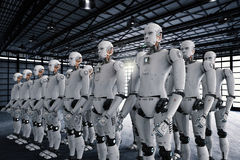 Grupp av cyborgs i fabrik Arkivfoton