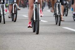 Grupp av cyklisten Arkivfoto