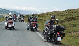 Grupp av cyklister som rider Harley Davidson Royaltyfria Foton
