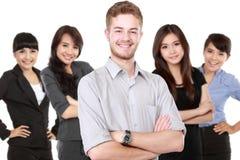 Grupp av den asiatiska unga businesspersonen Royaltyfri Bild