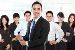 Grupp av den asiatiska unga businesspersonen Royaltyfria Bilder