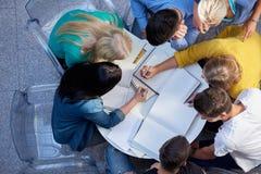 Grupp av den bästa sikten för studenter royaltyfria bilder