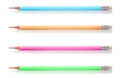 Grupp av den pastellfärgade blyertspennan som isoleras på vit bakgrund Royaltyfri Foto