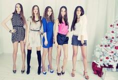 Grupp av den unga kvinnan Arkivbilder