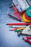 Grupp av elektrisk utrustning på metallisk yttersidakonstruktion c Fotografering för Bildbyråer