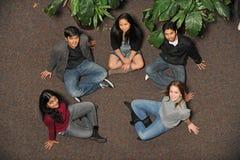 Grupp av etniskt olika studenter Fotografering för Bildbyråer