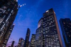 Grupp av finansiell byggnad i den singapore staden royaltyfri foto