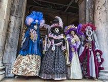 Grupp av förklätt folk Royaltyfri Fotografi