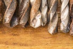 Grupp av gamla oxidtappninghjälpmedel drills Royaltyfri Foto
