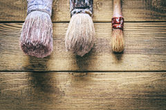 Grupp av gamla oxidtappninghjälpmedel paintbrushes Fotografering för Bildbyråer