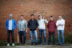 Grupp av gangster royaltyfri foto