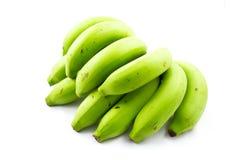 Grupp av gröna bananer arkivbilder
