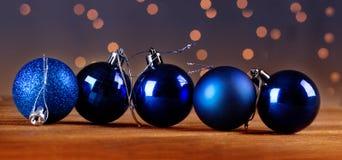 Grupp av härliga dekorativa julbollar Royaltyfri Foto