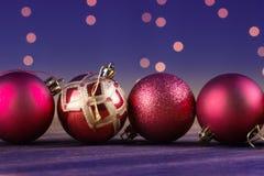 Grupp av härliga dekorativa julbollar Arkivbilder