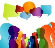 Grupp av isolerat mångfärgat folksamtal Profil för framsidakonturhuvud Knyta kontakt kommunikation Folkmassan talar anf?randebubb vektor illustrationer