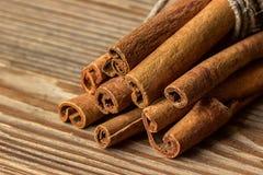 Grupp av kanelbruna Sticks closeup Arkivfoto
