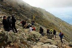 Grupp av klättraren i Tatra berg Royaltyfria Foton