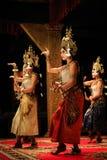 Grupp av klassiska dansare för en khmer i Cambodja Royaltyfria Bilder