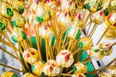 Grupp av konstgjorda färgrika lotusblommaknoppar Royaltyfri Bild