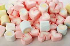 Grupp av kulöra marshmallower Royaltyfri Bild